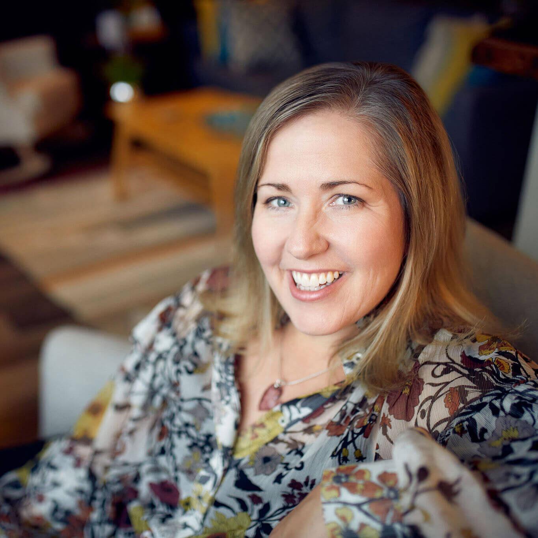 Laura Tucker Speaker Free Your Inner Guru Podcast Host Photographer